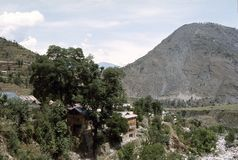 1977 La India Un pequeño pueblo cerca de Chamba Imágenes de archivo libres de regalías