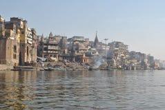 La India varanasi ganges Ghat Manikarnika Foto de archivo