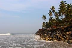 La India Varkala Kerala, visión desde la playa de Odayam Imágenes de archivo libres de regalías
