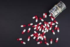 La industria farmac?utica consigue alta en beneficios gordos imagen de archivo