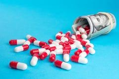 La industria farmac?utica consigue alta en beneficios gordos fotografía de archivo