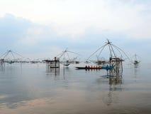 La industria pesquera en el estuario localizado Imagen de archivo libre de regalías