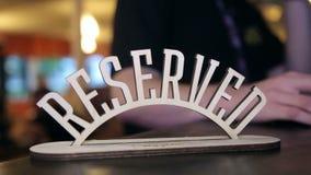 La inscripción es reservada en la tabla en el restaurante, primer metrajes
