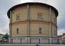 La instalación del almacenamiento de gasolina fue diseñada por el arquitecto Felsko, 1882 años Foto de archivo