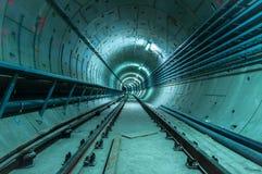 La instalación subterráneo con un túnel grande fotos de archivo libres de regalías