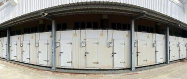La instalación grande de la conservación en cámara frigorífica Fotos de archivo libres de regalías