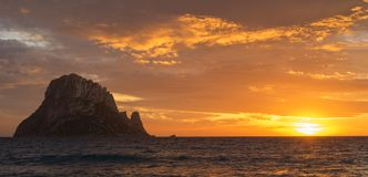 Free La Isla De Es Vedra Desde Ibiza Al Atardecer Royalty Free Stock Images - 139301339