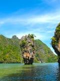 La isla de James Bond en el parque nacional de Phang Nga en Tailandia Foto de archivo libre de regalías