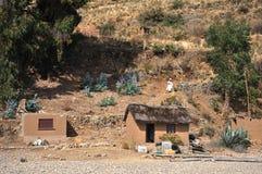 La isla de la luna está situada en el lago Titicaca Imagen de archivo libre de regalías