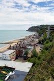 La isla de Shanklin del turista popular BRITÁNICO de Inglaterra del Wight y la costa este de la ubicación del día de fiesta de la Imagenes de archivo