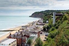 La isla de Shanklin del turista popular BRITÁNICO de Inglaterra del Wight y la costa este de la ubicación del día de fiesta de la Imagen de archivo libre de regalías