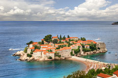 La isla de Sveti Stefan montenegro Imagen de archivo