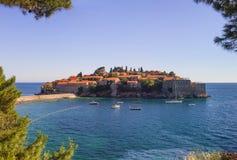 La isla de Sveti Stefan montenegro Fotos de archivo libres de regalías