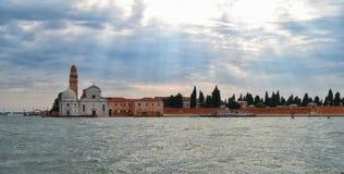 La isla del cementerio de San Micaela en Venecia foto de archivo