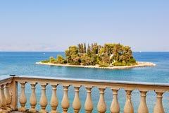 La isla del ratón en Corfú, Grecia Imagenes de archivo