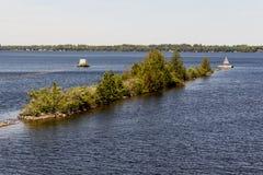 La isla en la entrada a Fenelon cae Ontario Fotografía de archivo