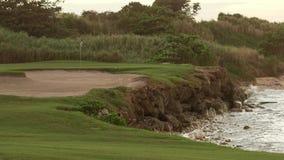 La isla tropical del campo de golf se divierte la reconstrucción almacen de video