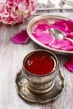 La jalea hecha de comestible subió (los pétalos del rugosa de Rosa) Imágenes de archivo libres de regalías