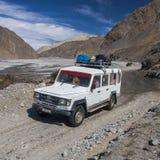 La jeep è i mezzi di trasporto primari nel villaggio di Jomsom Fotografia Stock Libera da Diritti