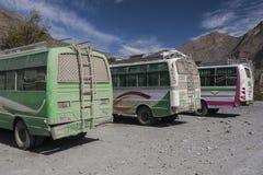 La jeep è i mezzi di trasporto primari nel villaggio di Jomsom Immagini Stock