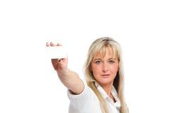 La jeune femme d'affaires blonde est Images stock