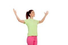 La jeune femme drôle avec a soulevé ses bras Photos libres de droits