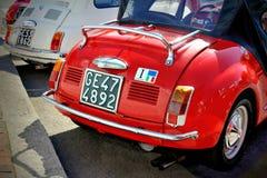 La jeune fille espiègle de Vignale est un petit roadster à couvercle serti avec moteur à l'arrière Photographie stock libre de droits
