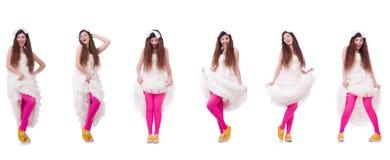 La jeune mariée drôle d'isolement sur le blanc Photo stock