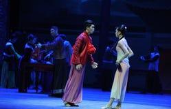 La jeune mariée n'est pas elle-Le le premier acte des événements de drame-Shawan de danse du passé Photographie stock libre de droits