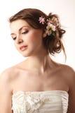 La jeune mariée regarde vers le bas Image libre de droits