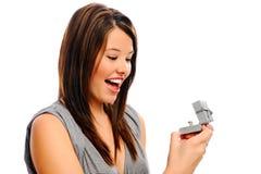 La jolie fille est étonnée par une boucle Photo libre de droits