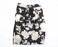 La jupe des femmes noires et blanches. Image libre de droits