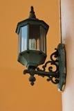 La lámpara antigua para el exterior Fotos de archivo libres de regalías