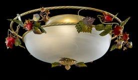 La lámpara clásica adornó las fresas aisladas en fondo negro Fotos de archivo libres de regalías