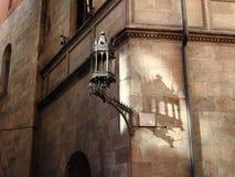La lámpara sombrea el baile en la pared Foto de archivo libre de regalías