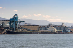 La línea nave de la sabiduría del bulto en el puerto de Vancouver Imagen de archivo