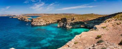 La laguna azul en la isla de Comino, Malta Gozo fotografía de archivo libre de regalías