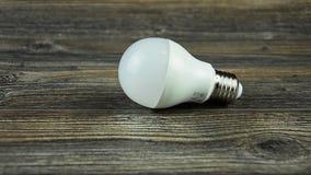 La lampada economizzatrice d'energia ha condotto la lampadina Lampadina piombo video d archivio