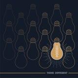 La lampadina d'annata pensa differente Illustrazione Vettoriale