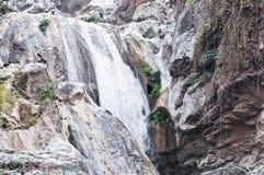 La lan ha cantato le cascate naturali della Tailandia Immagini Stock Libere da Diritti