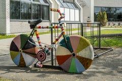 La lana tricottata insacca la bici Fotografia Stock