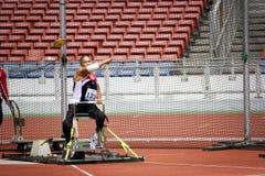 La lancée de disque des hommes pour les personnes handicapées Image stock