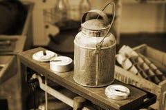 La lechería de la vendimia puede Imagen de archivo
