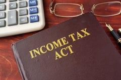 La Legge di imposta sul reddito immagini stock