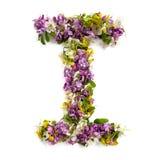 """La lettera """"IÂ"""" ha fatto di vari piccoli fiori naturali Fotografie Stock Libere da Diritti"""