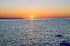 La Lettonia, Riga, Mar Baltico, tramonto, talpa ed onda 2017 Fotografie Stock