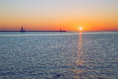 La Lettonia, Riga, Mar Baltico, tramonto, talpa ed onda 2017 Fotografia Stock