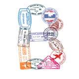 La lettre B faite en passeport international emboutit sur un fond blanc D'isolement illustration stock