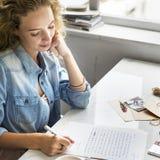 La lettre d'affection d'amour d'écriture note le concept Images stock