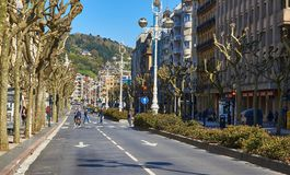La Libertad Avenue de Avenida de em San Sebastian País Basque, Guipuzcoa spain Fotos de Stock Royalty Free